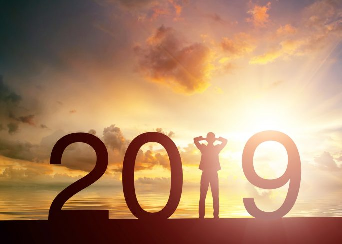 happy new year 2019 sunset human silhouette 2019 concepts creative 2019 year 684x488 - Ideas para un mucho mejor nivel de empleabilidad en 2019